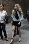 Celebrities Wonder 7119016_amanda-seyfried-Live-with-Kelly-and-Michael_2.jpg