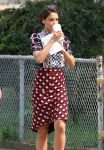 Celebrities Wonder 7853870_katie-holmes-Set-of-Miss-Meadows_3.jpg