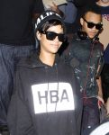 Celebrities Wonder 79932981_rihanna-lax-airport_8.jpg