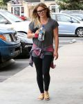 Celebrities Wonder 82828268_hilary-duff-leggings_2.jpg