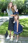 Celebrities Wonder 87561418_jessica-alba-ralph-lauren-girls-fashion-show_2.jpg