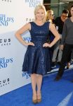 Celebrities Wonder 93126997_The-Worlds-End-premiere-hollywood_Megan Hilty 1.jpg