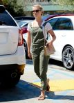 Celebrities Wonder 95340695_julianne-hough-in-overalls_1.jpg