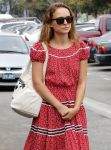 Celebrities Wonder 99668081_natalie-portman-venice_7.jpg