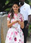 Celebrities Wonder 99902493_katie-holmes-Set-of-Miss-Meadows_7.jpg