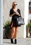 Celebrities Wonder 10636963_reese-witherspoon-leather-skirt_2.jpg