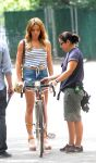 Celebrities Wonder 11952495_ashley-greene-on-the-set-of Staten-Island-Summer-in-NY_3.jpg