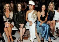 Celebrities Wonder 16226563_anna-kendirck-london-fashion-week_7.jpg