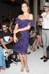 Celebrities Wonder 16513609_marchesa-spring-2014-front-row_Lake Bell 1.jpg