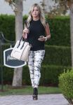 Celebrities Wonder 16821117_ashley-tisdale-shopping-beverly-hills_2.jpg