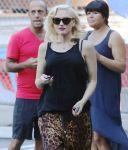 Celebrities Wonder 23709099_pregnant-gwen-stefani_5.jpg