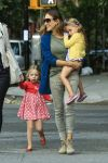 Celebrities Wonder 27768598_sarah-jessica-parker-with-her-twins_1.jpg