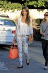 Celebrities Wonder 31489531_jessica-alba-friend-birthday_3.jpg