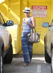 Celebrities Wonder 31855189_pregnant-halle-berry_1.jpg