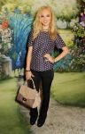 Celebrities Wonder 31920149_mulberry-spring-2014-front-row_Juno Temple 1.jpg