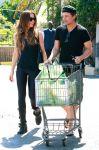 Celebrities Wonder 32815290_kate-beckinsale-shopping_3.jpg