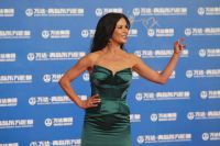 Celebrities Wonder 33096180_catherine-zeta-jones-Oriental-Movie-Metropolis-launching-ceremony-Qingdao_7.jpg