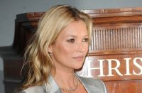 Celebrities Wonder 35737242_photocall-Kate-Moss-The-Collection_8.jpg