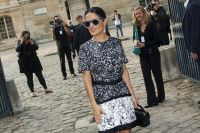 Celebrities Wonder 36099101_salma-hayek-balenciaga-fashion-show_3.jpg
