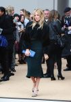 Celebrities Wonder 37054488_sienna-miller-burberry-spring-2014_2.jpg