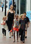 Celebrities Wonder 3872727_angelina-jolie-children_1.JPG