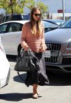 Celebrities Wonder 40061831_jessica-alba-meeting_2.jpg