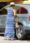 Celebrities Wonder 42700601_pregnant-halle-berry_4.jpg