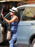Celebrities Wonder 43306050_pregnant-halle-berry_5.jpg