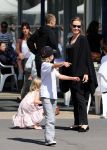 Celebrities Wonder 45195075_angelina-jolie-children-sydney_4.JPG