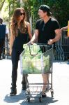 Celebrities Wonder 47574571_kate-beckinsale-shopping_5.jpg