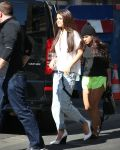 Celebrities Wonder 49648835_selena-gomez-NRJ-Radio_2.jpg