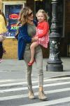 Celebrities Wonder 498959_sarah-jessica-parker-with-her-twins_4.jpg