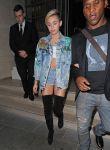 Celebrities Wonder 56202848_miley-cyrus-hotel-london_4.JPG