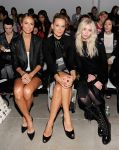 Celebrities Wonder 60025373_Helmut-Lang-spring-2014-front-row_6.jpg