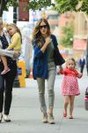 Celebrities Wonder 60825911_sarah-jessica-parker-with-her-twins_5.jpg