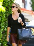 Celebrities Wonder 71476793_reese-witherspoon-leather-skirt_5.jpg