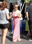 Celebrities Wonder 71853811_alyssa-milano-farmers-market_3.jpg