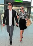 Celebrities Wonder 73385083_kate-winslet-Heathrow-Airport_3.jpg