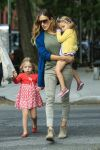 Celebrities Wonder 75487236_sarah-jessica-parker-with-her-twins_2.jpg