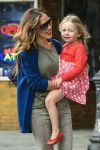 Celebrities Wonder 92408324_sarah-jessica-parker-with-her-twins_7.jpg