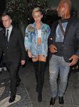 Celebrities Wonder 93606072_miley-cyrus-hotel-london_5.JPG
