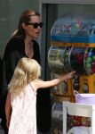 Celebrities Wonder 94545502_angelina-jolie-children-sydney_7.JPG