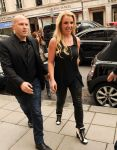 Celebrities Wonder 10613172_britney-spears-london_3.jpg