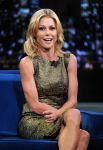 Celebrities Wonder 12418024_juliebowen-Late-Night-with-Jimmy-Fallon_4.jpg