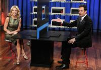 Celebrities Wonder 15509955_julie-bowen-Late-Night-with-Jimmy-Fallon_7.jpg