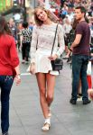 Celebrities Wonder 1795934_karlie-kloss-photoshoot-in-Times-Square_6.jpg