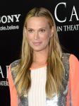 Celebrities Wonder 188715_carrie-premiere-los-angeles_Molly Sims 2.jpg