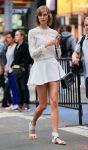 Celebrities Wonder 20166706_karlie-kloss-photoshoot-in-Times-Square_4.jpg