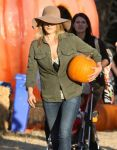 Celebrities Wonder 23391805_ali-larter-mr-bones-pumpkin-patch_6.jpg