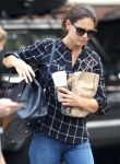 Celebrities Wonder 24575050_katie-holmes-new-york_5.jpg